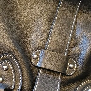 Marc Jacobs Bags - MARC JACOB black leather bag.